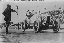 De Palma in Mercedes wins Vanderbilt Cup Race. Photo by Bain News Service, 1914