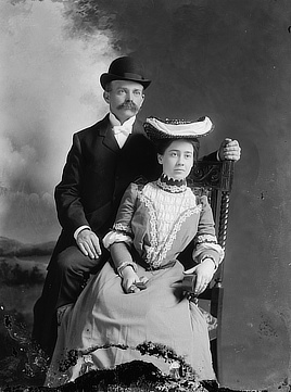 Mr. and Mrs. E.C. Weir. Glass negative by C.M. Bell, 1901-1903. Prints & Photographs Division